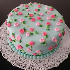 Cake Decorating Frosting, Cake Decorating Designs, Creative Cake Decorating, Cake Decorating Videos, Cake Decorating Techniques, Creative Cakes, Food Cakes, Cupcake Cakes, Simple Cake Designs