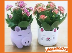 With climate change in mind we want to encourage you to use leftover household items to make recycled crafts with this Recycled Bottle Plant Pot. Plastic Bottle Planter, Reuse Plastic Bottles, Plastic Bottle Crafts, Diy Bottle, Recycled Bottles, Diy Home Crafts, Kids Crafts, Garrafa Diy, Diy Para A Casa