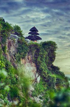 Uluwatu Temple, Bali, Indonesia -- by Michail Zavalko