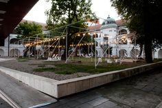 https://stavbaweb.dumabyt.cz/plural-a-totalstudio-letny-pavilon-sng-8425/clanek.html
