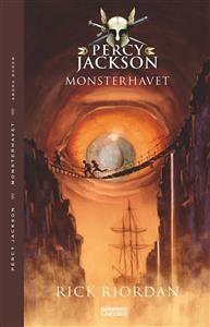 """50% spänning + 50% humor = 100% Percy Jackson!Möt Percy Jackson, som upptäcker att han faktiskt är född till att vara något mer än en vanlig människa ? Han är född till hjälte! Detta är den andra boken om Percy Jackson som har Poseidon som far och en vanlig """"dödlig"""" mamma. Här möts vår samtida vardag och grekiska gudar i en berättelse man inte kan lägga ifrån sig!Percy har knappt hunnit hämta sig från förra sommarens blixtjakt, innan han hamnar i ett nytt svindlande äventyr! Den här gången…"""