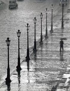 Andre Kertesz: Hungarian photographer known for his innovative contributions to photographic composition.