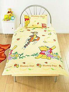 Winnie The Pooh Blustery Days Rotary Duvet Set 100 % Cotton