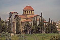 Agia Triada Church dominates the entire area of Kerameikos with her large sized. (Walking Athens, Route 03 - Psiri / Monastiraki)