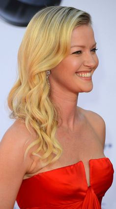 Gretchen Mol wore her light blonde tresses in classic, side swept curls at the #Emmys. Get your own most flattering #hair #color at home with eSalon! It's nothing like mass-made drugstore color. eSalon's colorists consider all your hair details and create an individual pigment just for you, the same as in a salon. The color is so personalized, it even has your name on it! Get your custom blend here: www.eSalon.com