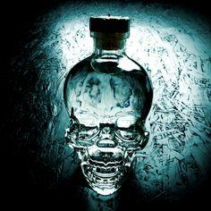 Crystal Head Vodka - Dödskallevodkan av Dan Aykroyd Crystal Head Vodka, Dan, Crystals, Crystal, Crystals Minerals