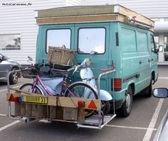 A l arrière, le porte-velo, moto, escabeau, ...