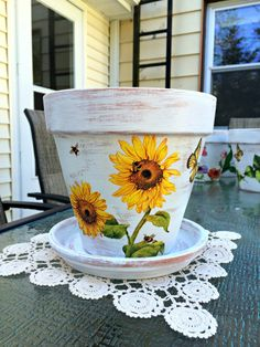 Painted flower pot, sunflower decor,decoupage flower pot, hand painted pot, decorated terracotta planter, decoupage planter, Fall decor.