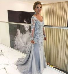 Elegant V Neck Mermaid Mother of the Bride Dress with Appliqus Lace