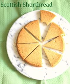 Scottish Shortbread is light, buttery and unforgettable. Delicious Desserts, Yummy Food, Shortbread, Holiday Treats, Cupcake Cakes, Cupcakes, Food To Make, Sweet Treats, Easy Meals