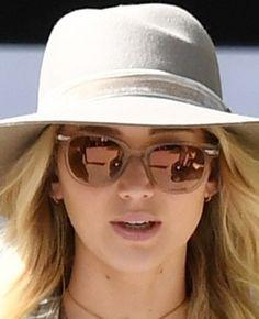 #TRENDY: Jennifer Lawrence w kraciastej flaneli - PUDELEK