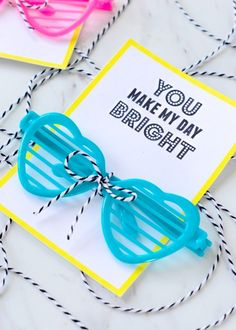 You Make My Day Bright - Valentine Glasses Printable Need a free printable valentine for class valentines? Use my valentine glasses printable and add these cute glasses for a non-food valentine Valentines Day Treats, Valentine Box, Valentines For Kids, Valentine Day Crafts, Printable Valentine, Free Printable, Valentine Ideas, Valentines Hearts, Homemade Valentines