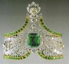 Emerald Bracelet (Russian Crown Jewels) in Russian Crown Jewels...wouldn't you love to know who took them away from their mommy? Can't see Stalin being into this!