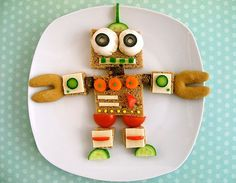 Robot - if only I had this much time (and available food) to be this creative t lunch time!