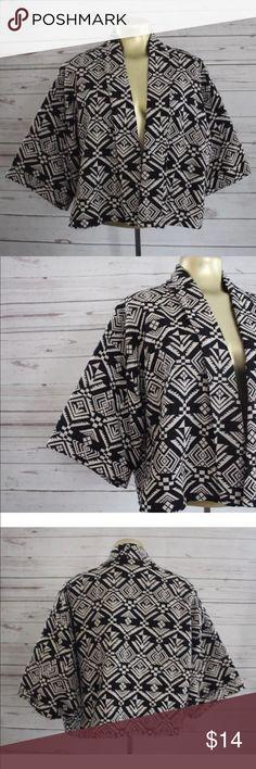 {F21} Aztec print bolero cropped jacket Forever 21 Aztec Print Open Cropped Jacket Bolero 3/4 Sleeve Forever 21 Jackets & Coats Capes