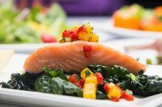 Wojti gotuje czyli 1000 sposobów na szybkie danie : Warzywa na parze z łososiem z pieca