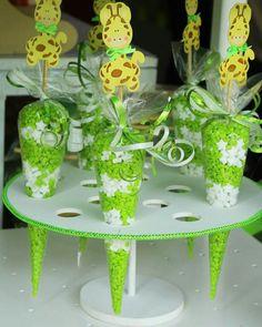 Conos con dulces figura de jirafas