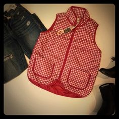 Wine & White Plaid Quilted Vest Plaid quilted vest.. Wine/white plaid. Lightweight. Polyester. Zip front. 2 pockets. Cute & comfy. Fits true to size. S M L available. Please do not purchase. Please comment size for a separate listing.   trades ❤️ price is firm unless bundled Jackets & Coats Vests