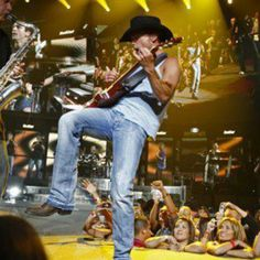 """Let's embark with Kenney Chesney's """"No Shoes Nation Tour Tickets"""" Male Country Singers, Country Music Artists, Country Music Stars, Country Concerts, Tour Tickets, Concert Tickets, Kenny Chesney Concert, Kenney Chesney, No Shoes Nation"""