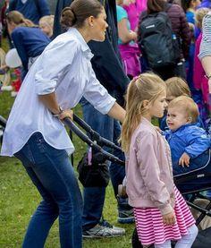 """78 gilla-markeringar, 1 kommentarer - H.K.H. Prinsessan Estelle (@princessestelleofsweden) på Instagram: """"Estelle with her mama Crown Princess Victoria and her little brother Oscar at the annual Prince…"""""""