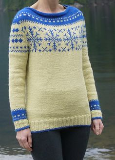 Ravelry: Wrapped in Snowflakes pattern by Natalie Volyanyuk