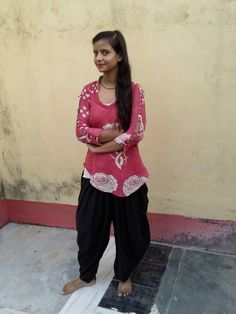 Girl Pictures, Girl Photos, Desi Bhabi, Cute Girl Photo, Manish, India Beauty, Beauty Women, Cute Girls, Bollywood