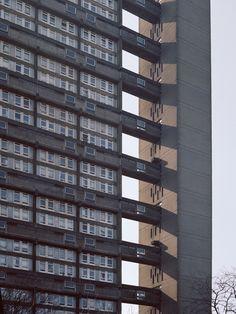 """Galeria de """"Utopia"""": Série fotográfica registra a arquitetura brutalista de Londres - 5"""