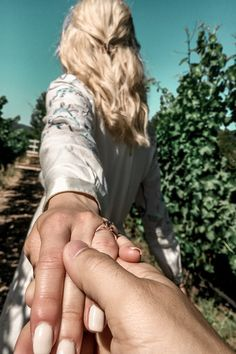 It's impossible to not love a vineyard proposal! It's impossible to not love a vineyard proposal! Dream Engagement Rings, Engagement Bands, Designer Engagement Rings, Wedding Engagement, Engagement Party Favors, Eternity Ring, Ring Designs, Proposal, Vineyard