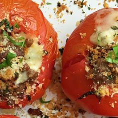 Stuffed tomatoes with sausage, cheese and basil are a delicious combination.