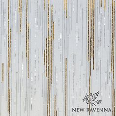 I love the shinny pieces mixed in with the gold and the plane white pieces. Really creates a great texture as well as being very eye pleasing.