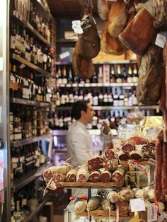 Here are the absolute must-visit foodie spots in Rome's Testaccio neighborhood, where Roman cuisine was born.