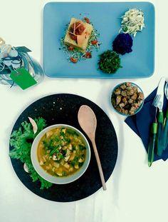 Supa calda cu tofu si tarta mozaic #takeaway #catering #delivery #vegetarian #rawvegan #manancasanatos