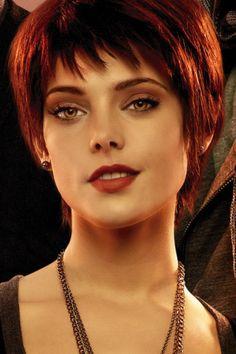 Ashley Greene as Alice Cullen in The Twilight Saga. Red Pixie Cuts, Blonde Pixie Cuts, Alice Cullen, Ashley Greene Twilight, Alice Twilight, Twilight Saga, Grey Hair Over 50, Natural Hair Styles, Short Hair Styles