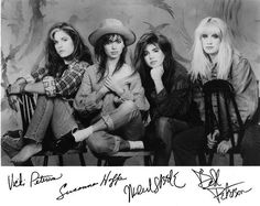 Susanna Hoffs, Sound Of Music, My Music, Michael Steele, Guitar Players, Music Pictures, Rock Music, Hard Rock, Girl Power