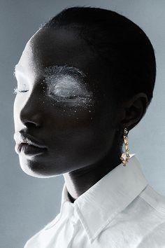 Idée Maquillage 2018 / 2019 : glimmering fashionarmies:Unknot Edun Bolarinwa b. - mc& l - Photo Makeup Inspiration, Character Inspiration, Pretty People, Beautiful People, Photo Reference, Face Art, Black Is Beautiful, Black Girl Magic, Dark Skin