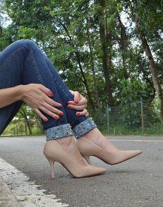 Jeans com aplique e scarpins - Blog Ela Inspira - http://www.elainspira.com.br/look-total-jeans/