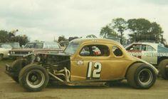Nascar Racing, Auto Racing, Old Race Cars, Sprint Cars, Vintage Race Car, Car Makes, Dirt Track, Vintage Shorts, Volkswagen