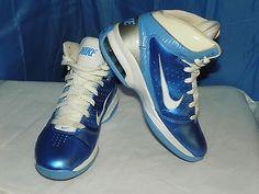 NIKE AIR MAX BASKETBALL SHOES SIZE 6 MEN/7 WOMEN BLUE, GRAY, WHITE