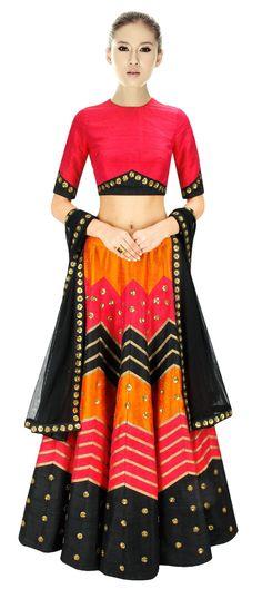 152775: Golden sitaras and zig-zag lines - this bridal #lehenga is one of our favorite.   #weddingcouture #indianwedding #sale #onlineshopping #sequin #redandblack #ebroidery #gypsy #boho
