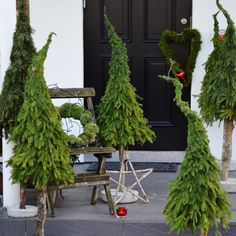 Most Beautiful Christmas Decoration Ideas For Live It Beautiful Beautiful Christmas Decorations, Outdoor Christmas Decorations, Rustic Christmas, Simple Christmas, Winter Christmas, Christmas Home, Christmas Wreaths, Christmas Crafts, Christmas Inspiration