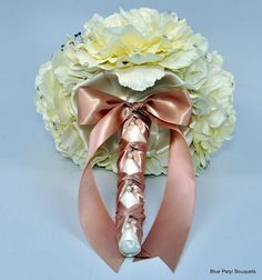 Champagne Peony Handle Detail:) #bridal #bouquet