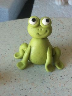 Modelado Rana en fondant/ pasta de goma-Fondant/gumpaste frog