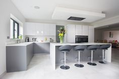 Grey Kitchens: 10 Stunning Ideas that Suit your Kitchen - 30 Best Grey Kitchen Ideas For A Cool, Chic Space – Keep Decor - Grey Kitchen Cupboards, Glossy Kitchen, Modern Grey Kitchen, White Gloss Kitchen, Grey Kitchen Designs, Luxury Kitchen Design, Kitchen Room Design, Grey Kitchens, Kitchen Layout