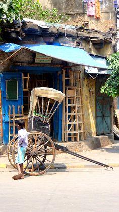 Calcutta, India plan to go this fall! Nova Deli, Namaste India, Amazing India, Indian Colours, Travel Box, West Bengal, India Travel, Historical Sites, Places To Travel