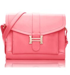Morpheus Boutique  - Pink Cross Body Lock Leather Tote Bag, CA$102.55 (http://www.morpheusboutique.com/pink-cross-body-lock-leather-tote-bag/)