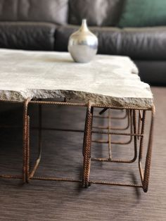 Concrete coffee table – Concrete coffee table – Related posts: 39 Easy DIY Coffee Table Inspiration Ideas – Coffee Table Design Inspiration – DIY Coffee table with hidden storage 11 Modern Farmhouse Table Design Ideas that …