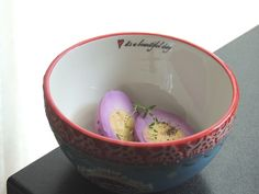 Oua murate cu varza rosie / Pickled eggs and red cabbage.