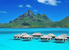 A pristine paradise complete with stunning views of the South Pacific, Four Seasons Resort Bora Bora surrounds you with natural beauty.