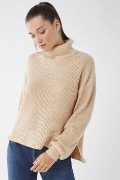 db9372f5525 Slide View  1  UO Pullover Turtleneck Sweater Fall Sweaters For Women