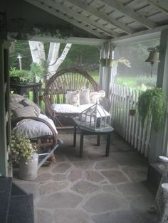 rustic porch - willow furniture